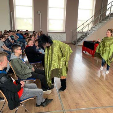 Dramat w pięciu aktach